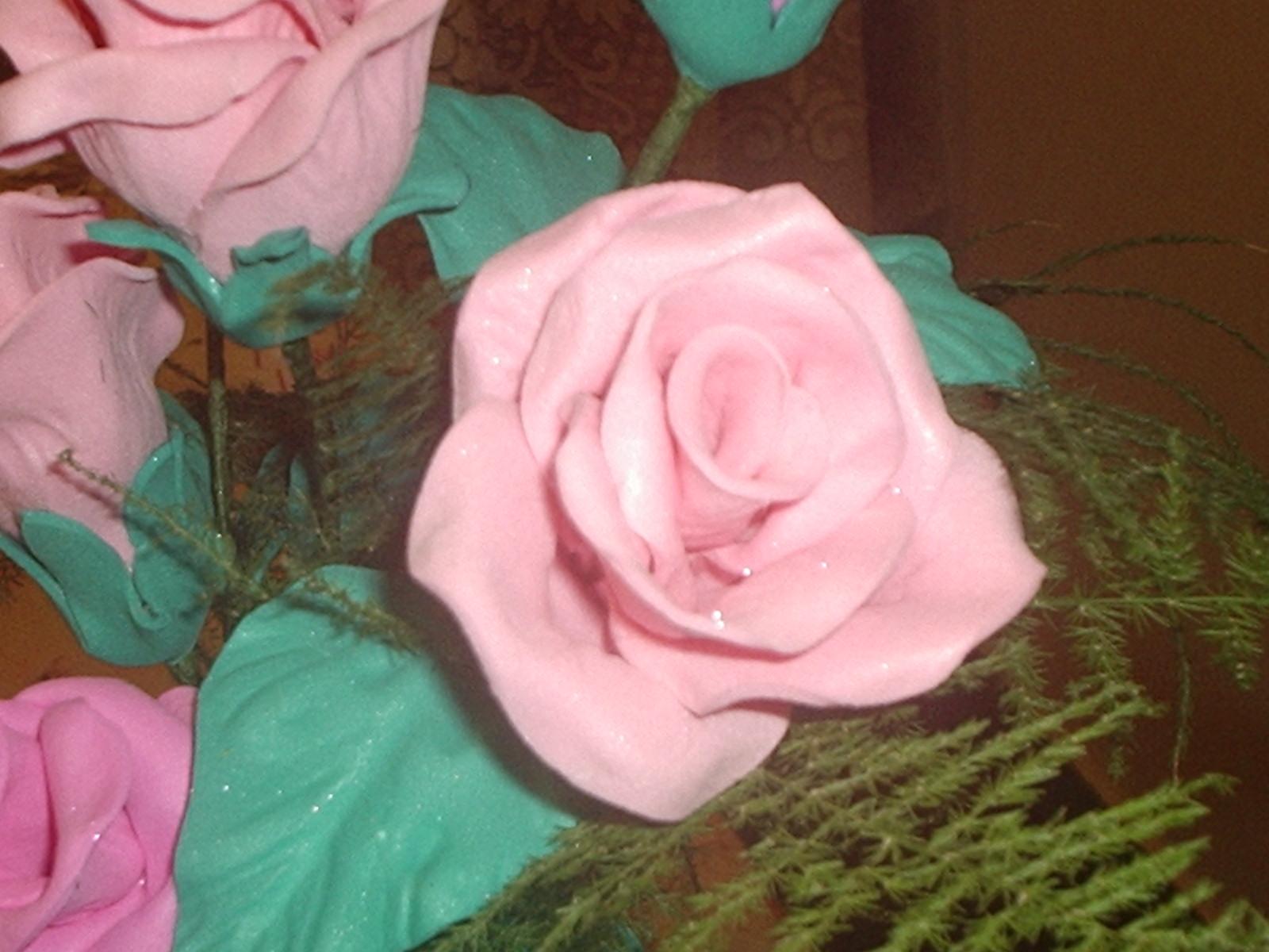 Como hago una rosa en goma eva flores en goma eva - Como secar una rosa ...